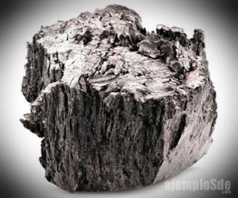 Mineral con el elemento terbio